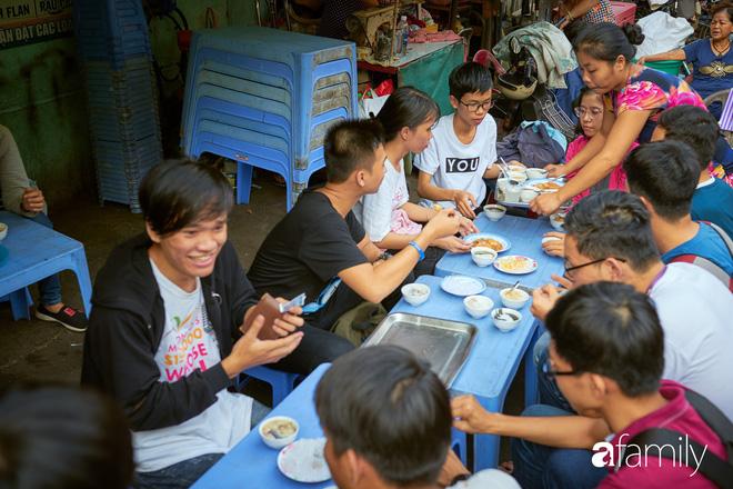 3 món đã ăn là bát đĩa phải chất thành chồng cao chót vót ở Sài Gòn 17:17   18/05/2018