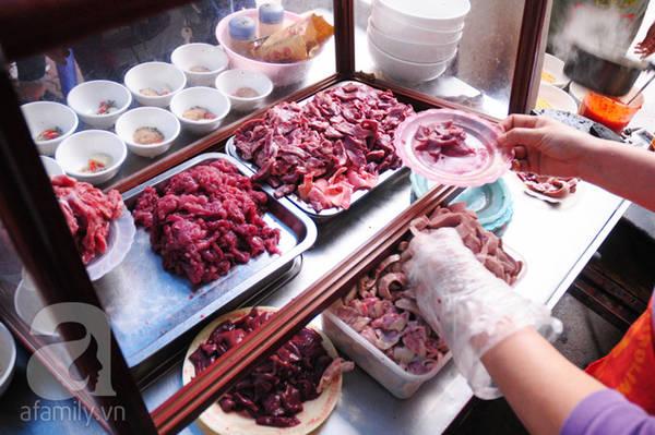 7 món ăn làm nên tên tuổi cho cụm ẩm thực Cát Linh – Trịnh Hoài Đức 16:49   17/02/2017