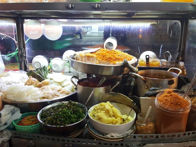 Tiệm bánh bèo Huế lai vị Sài Gòn đắt khách ở quận 10 09:16   19/04/2018